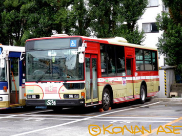 Keio100bus_001_1