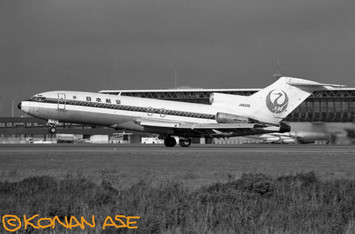 Jal727_026_1