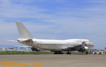 Jal747_300_003