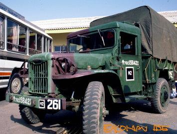 Nissan_truck