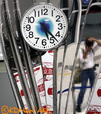 Keikyu_clock_02