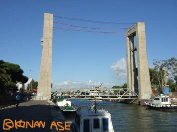 Lift_bridge