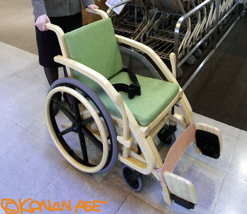 Bamboo_wheelchair