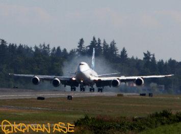 747_8le_flaps_001
