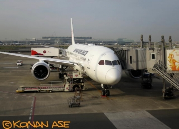 787jal_18_1