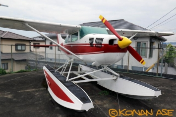 Cessna206float_009_1_1