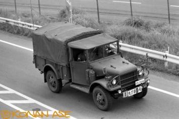 Jsdf_trucks_001_1