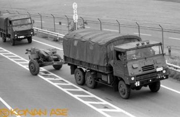Jsdf_trucks_007_1